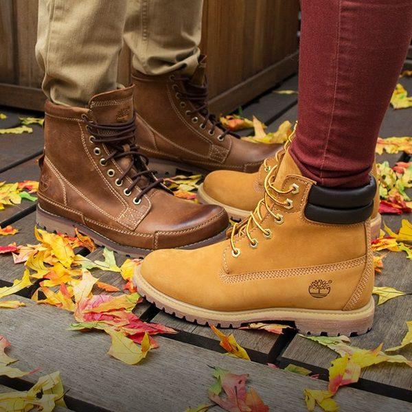 Anónimo Tutor Ponte de pie en su lugar  Foot Locker Markdowns: Up to 50% Off Sale Styles from adidas, Columbia,  Hunter, Nike, Timberland, UGG + More - RedFlagDeals.com